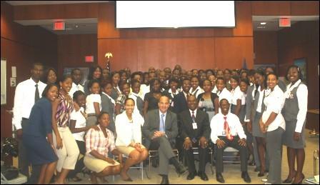 L'Ambassadeur Américain S'ouvre Aux étudiants Haïtiens