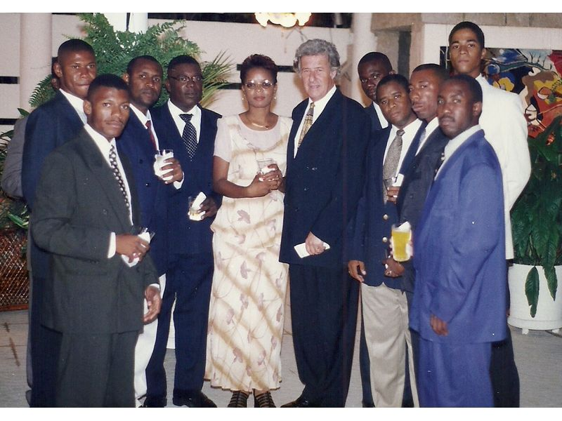 Les Etudiants Du CEDI Recus En La Residence De L Ambassadeur Du Canada En Haiti S E M Gilles Bernier (10)