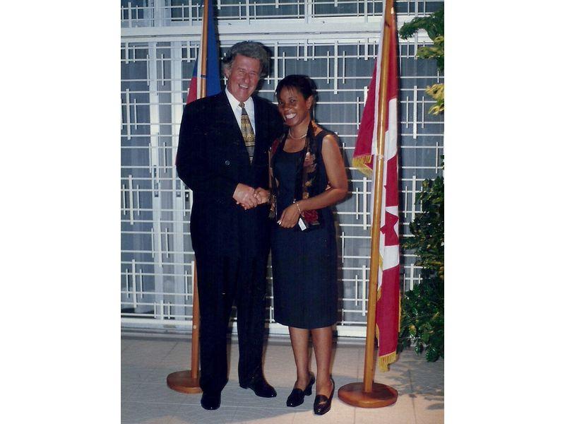 Les Etudiants Du CEDI Recus En La Residence De L Ambassadeur Du Canada En Haiti S E M Gilles Bernier (11)