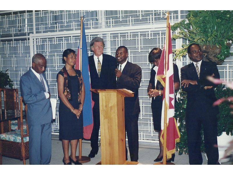 Les Etudiants Du CEDI Recus En La Residence De L Ambassadeur Du Canada En Haiti S E M Gilles Bernier (14)