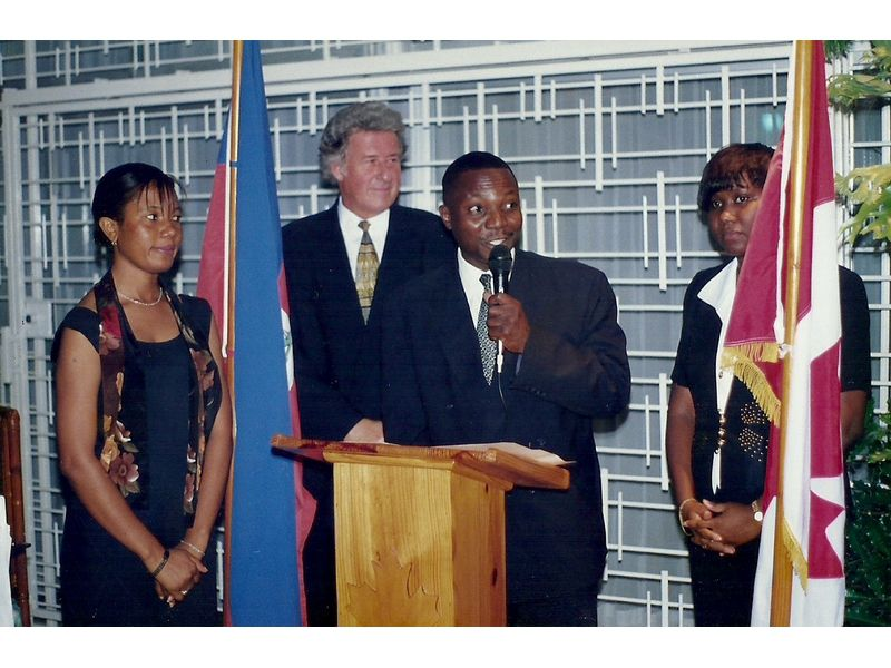 Les Etudiants Du CEDI Recus En La Residence De L Ambassadeur Du Canada En Haiti S E M Gilles Bernier (2)