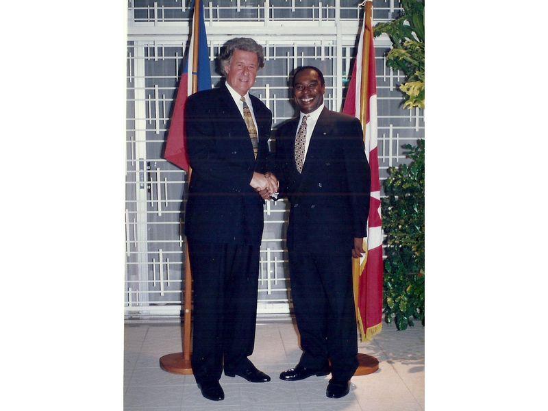Les Etudiants Du CEDI Recus En La Residence De L Ambassadeur Du Canada En Haiti S E M Gilles Bernier (31)