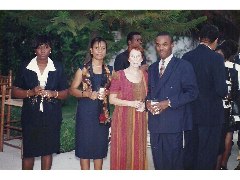 Les Etudiants Du CEDI Recus En La Residence De L Ambassadeur Du Canada En Haiti S E M Gilles Bernier (41)