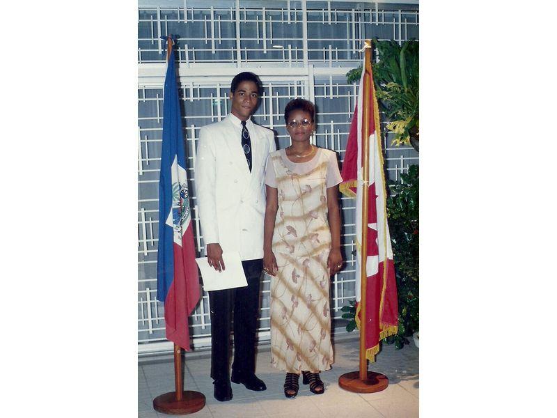Les Etudiants Du CEDI Recus En La Residence De L Ambassadeur Du Canada En Haiti S E M Gilles Bernier (52)