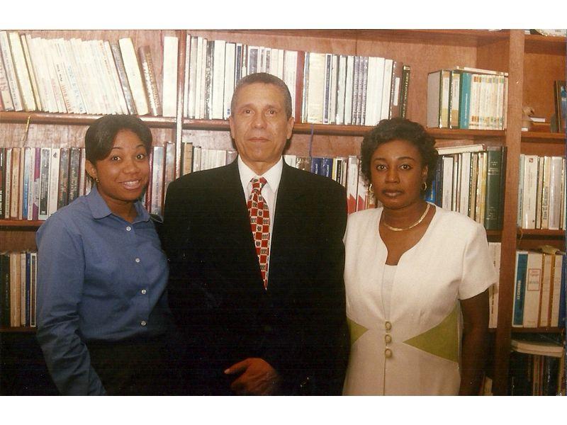 Visite de l'Ambassadeur de la République Dominicaine SEM Despradel au CEDI